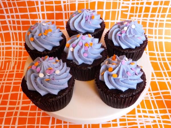 purple birthday cupcakes - jamie of all trades